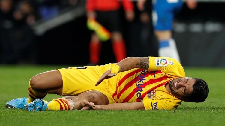 Luis Suárez estará cuatro meses de baja - REUTERS/Albert Gea