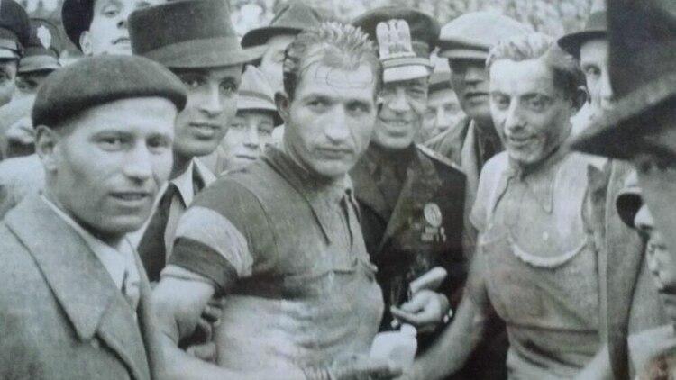 Como homenaje a su historia y su legado, el Giro de Italia del año pasado comenzó en Israel: fue la primera vez que una de las pruebas más importantes de Europa sedisputófuera de los límites del continente