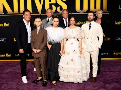 """El elenco de """"Entre navajas y secretos"""" durante la premiere de la película (Foto: Reuters/Phil McCarten)"""