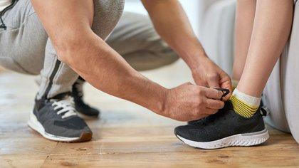 A partir del sábado, los importadores deberán asegurarse de que el calzado que comercialicen tenga incluido el sistema nacional de talles (Shutterstock)