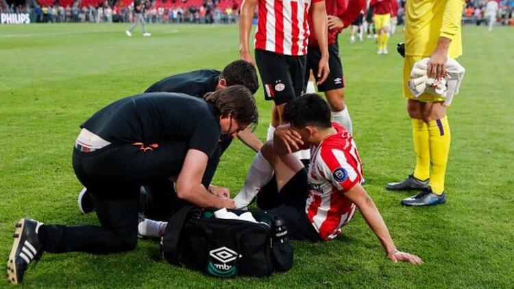 Lozano se lastimó en el amistoso pasado del equipo (Foto: Especial)