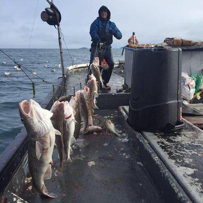 Trosvig abordo del Grayling haciendo lo que más lo apasiona: pescar (Facebook)