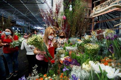 El pasado 10 de Mayo, Día de las Madres la población capitalina no respeto la cuarentena ni la sana distancia (Foto: EFE)