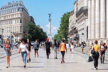 En Francia también se está viviendo la salida del confinamiento  (EFE/EPA/CAROLINE BLUMBERG)