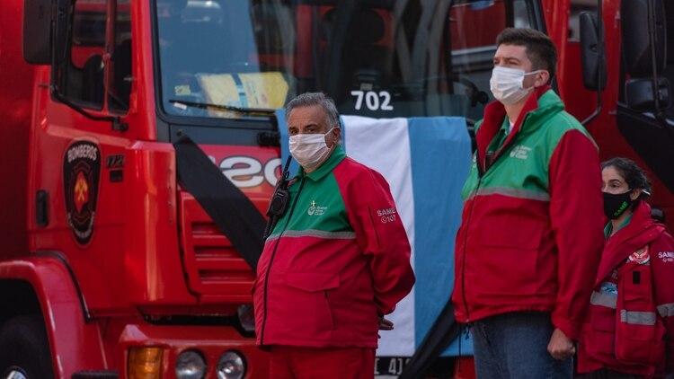 El titular del SAME, en el homenaje a los dos bomeros muertos en la explosión de una perfumería en Villa Crespo. Crescenti mismo estuvo expuesto a una detonación allí.