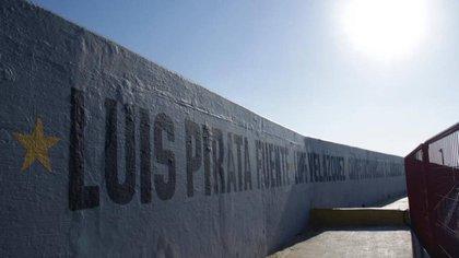 """Luis """"Pirata"""" Fuentes es el nombre del estadio de Veracruz por un jugador que marco época (Foto: Twitter @EstadioElPirata)"""