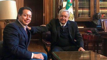Mario Delgado y Andrés Manuel López Obrador en la oficina presidencial de Palacio Nacional (Foto: Cuartoscuro)