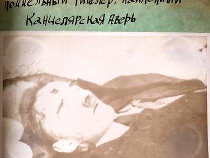 Restos de Gustav Weler, un doble de Hitler, muerto en las cercanías del bunker