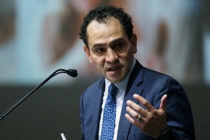 Arturo herrera, titular de Hacienda, explicó que el pacto fiscal fue promovido por Felipe Calderón (Foto: Reuters / Luisa Gonzalez)