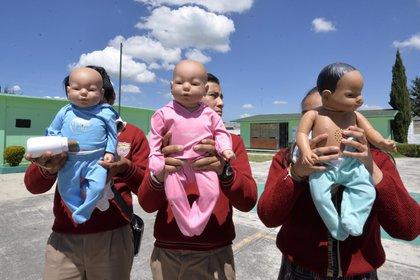 Miles de adolescentes abandonan la escuela tras quedarse embarazadas (Foto: Cuartoscuro)