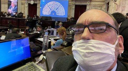 El legislador Fernando Iglesias durante la sesión en la Cámara de Diputados (@FerIglesias)