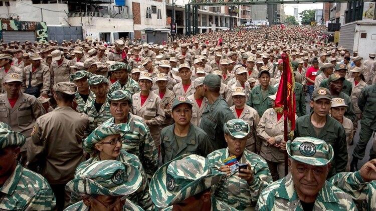 Miembros de la Milicia bolivariana (EFE)