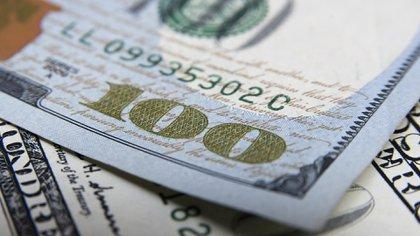 La estrategia contractiva del BCRA consiguió detener el salto cambiario (Adrián Escandar)