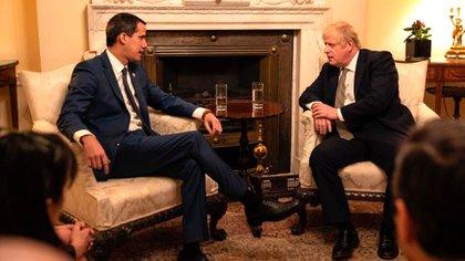 Juan Guaidó y Boris Johnson en Downing Street