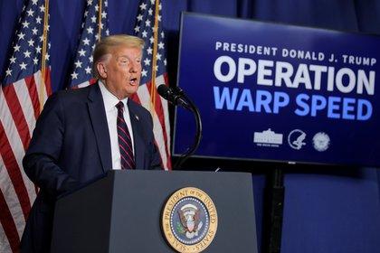 El gobierno de Trump se enfoca en la Operation Warp Speed, una asociación público-privada para facilitar y acelerar el desarrollo, la fabricación y la distribución de vacunas (Reuters)