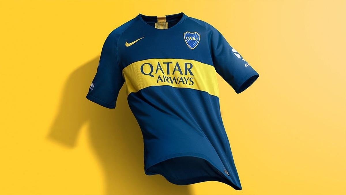 83599ed95b59d Oficial  se presentó la nueva camiseta de Boca para la temporada 2018-19 -  Infobae