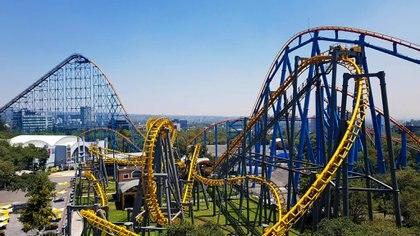 Los parques de diversiones deberán mantener una serie de medidas para operar. (Foto: Six Flags)