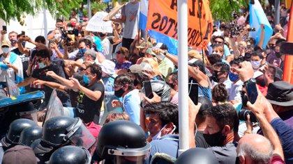 La represión en Formosa contra las protestas en rechazo a la vuelta a la Fase 1.