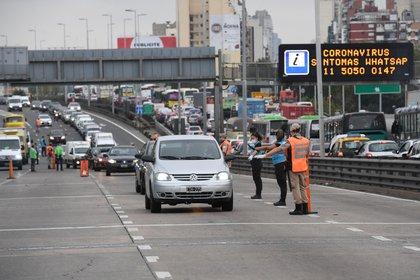 En puentes, rutas, autopistas y los principales puntos de ingreso y egreso de la Ciudad habrá operativos de las distintas fuerzas de seguridad (Maximiliano Luna)