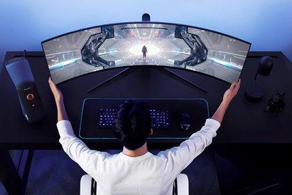 Son los primeros monitores con una curvatura de 1000R de alto rendimiento y ofrecen calidad de imagen QLED.