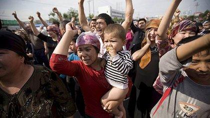 Manifestación uigur convocada en Urumqi, Xinjiang. (EFE)