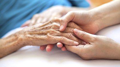 Las familias de aquellas personas con enfermedades neurológicas crónicas degenerativas no suelen contar con mucha contención (Getty Images)