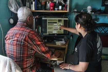 La vacunación de las personas adultas mayores, es decir, la fase dos, está próxima a comenzar. Para ello, ya se ha habilitado el registro por internet (Foto: Rogelio Morales/cuartoscuro.com)