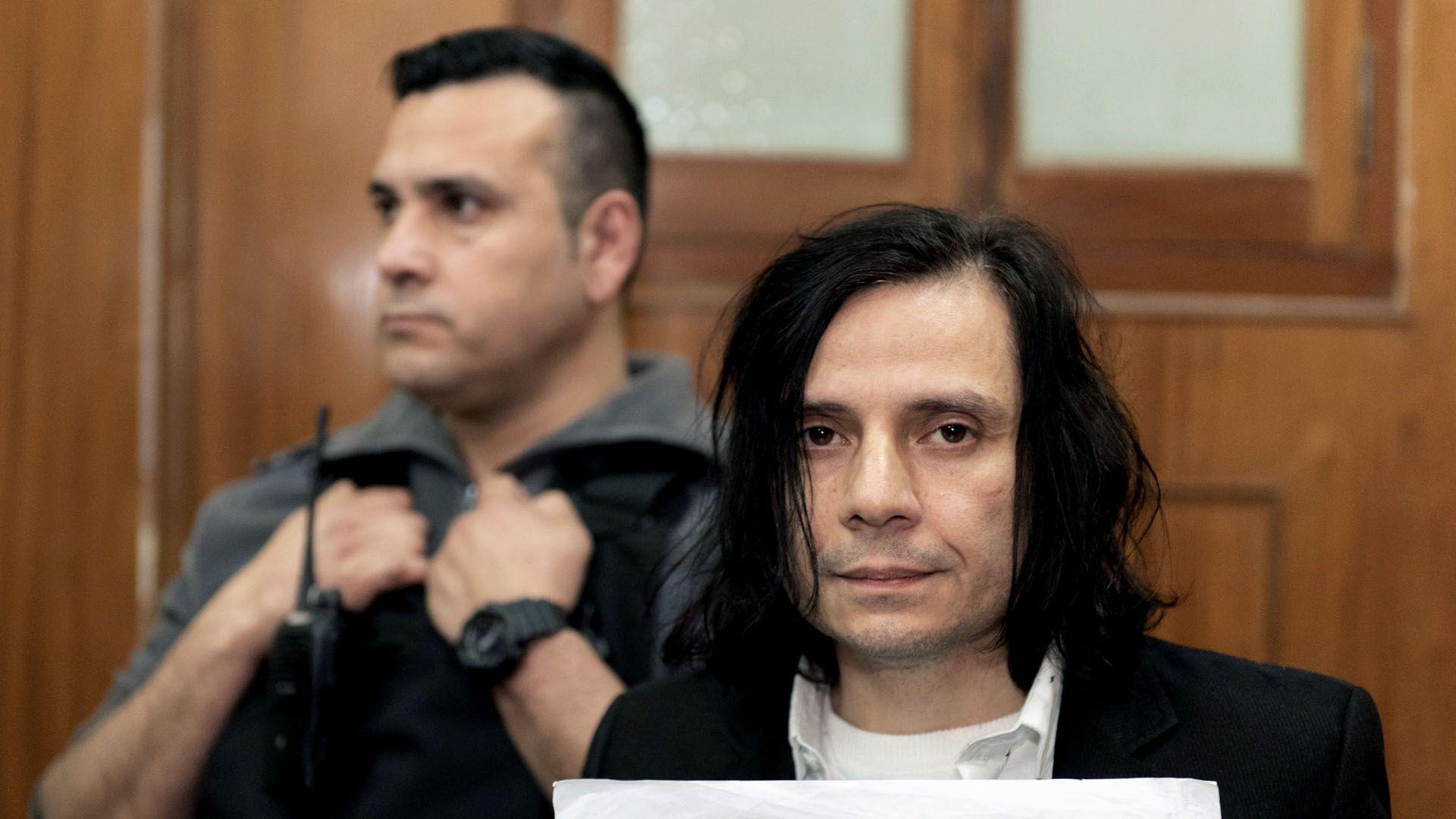 El cantante está acusado de abusar de al menos 7 menores (Adrián Escandar)
