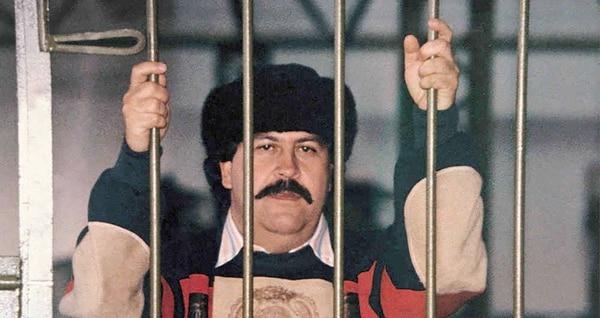 La única foto que se tiene de Pablo Escobar, cabecilla del Cártel de Medellín, durante su reclusión en la cárcel La Catedral, de Envigado