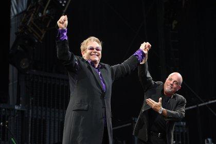Elton John y Billy Joel en Citizens Bank Park, Fildadelfia, en 2009.  (Owen Sweeney/Shutterstock)