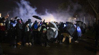 Otra noche de protestas en Minneapolis por la muerte de Daunte Wright: 24 detenidos