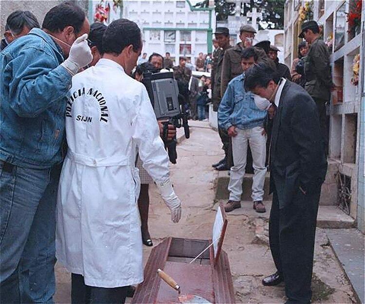 La exhumación del cuerpo de Doris Adriana Niño se realizó en un acto mediático trasmitido en televisión nacional.