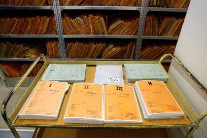 Viejos archivos de la Stasi que fueron desclasificados (REUTERS/Fabrizio Bensch)