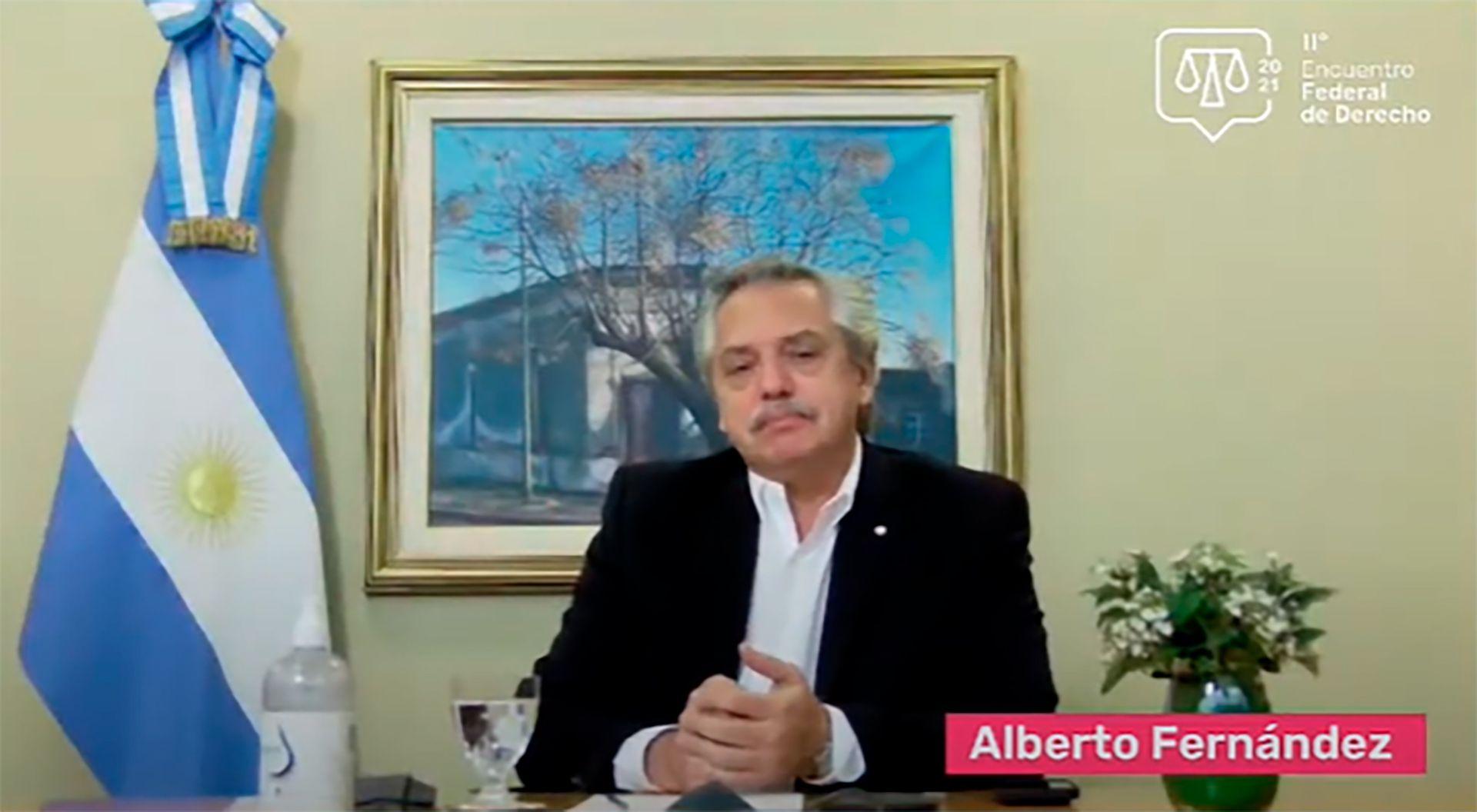 Alberto Fernandez sobre jueces con estudiantes de Derechos
