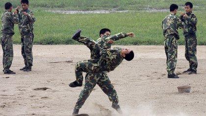 Ejercicios de militares chinos (archivo)