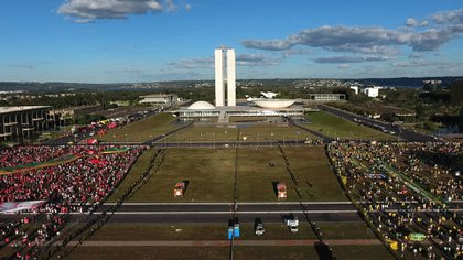 Las manifestaciones en favor y en contra del impeachment contra Dilma Rousseff en la Explanada de los Ministerios, Brasilia