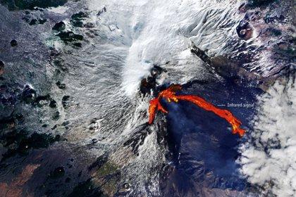 Los ríos de lava por la erupción del Etna vistos desde el espacio (ESA/Europa press)