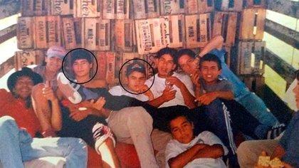 Maidana junto con Matthysse y otros chicos en el camión jaula