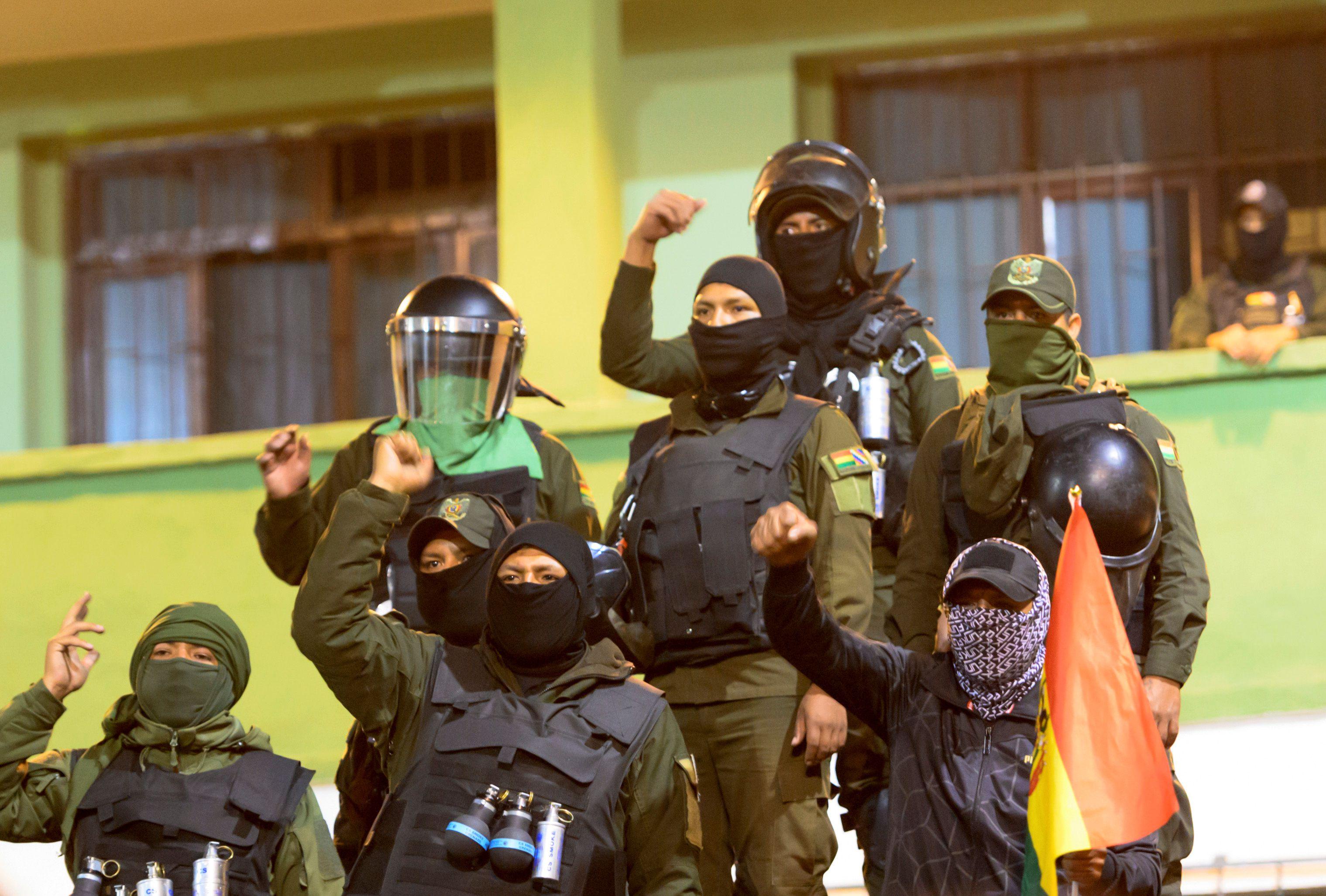 Policía en Cochabamba.