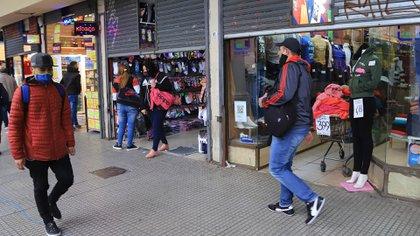 Los comercios de lugares como el barrio de Once volverán a abrir (NA)