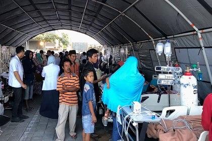 En la provincia de las Islas Menores de la Sonda occidentales, donde se encuentra Lombok, hay actualmente escasez de alimentos, de medicamentos y de personal médico (AFP)