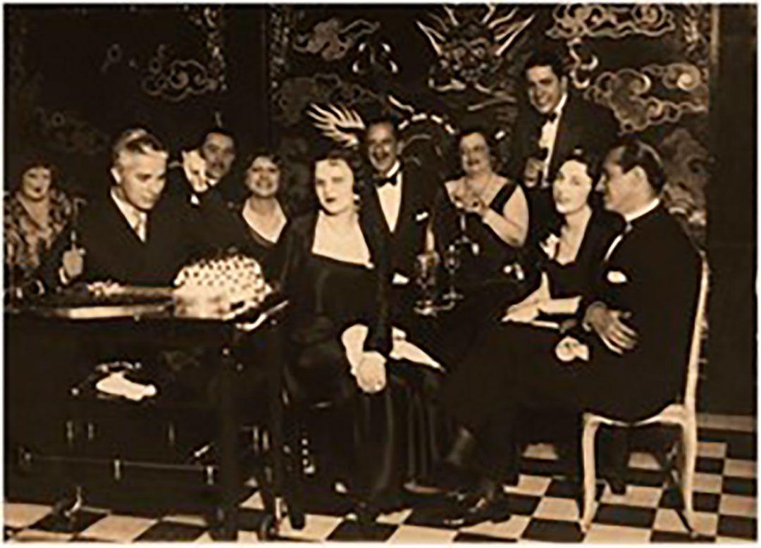 Sadie Baron Wakefield, junto a Charles Chaplin Carlos Gardel. 3