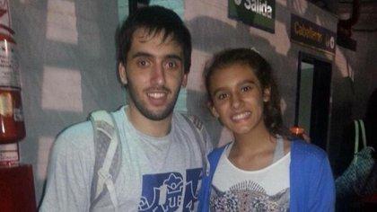 Flor Chagas junto a Facundo Campazzo, uno de los dos jugadores argentinos de la NBA