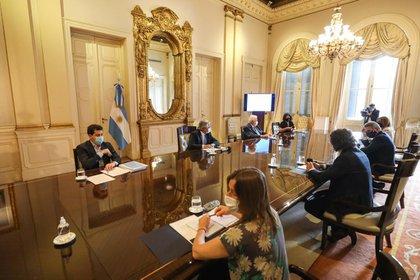 Reunión del Gabinete nacional para avanzar con el plan sanitario