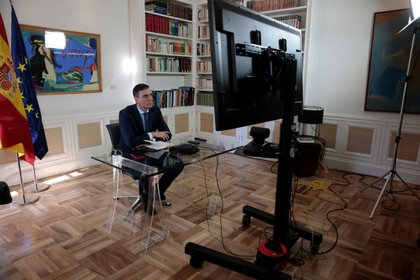 Teleconferencia de Pedro Sánchez (Reuters)