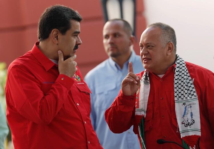 El presidente de la Asamblea Constituyente Diosdado Cabello y el dictador Nicolás Maduro durante el Foro de Sao Paulo en Caracas (REUTERS/Manaure Quintero)