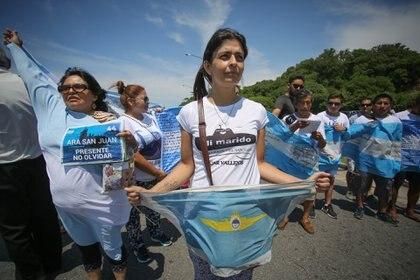 Paola durante una de las marchas de los familiares en Mar del Plata (Christian Heit)