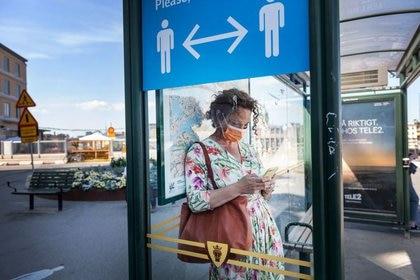La distancia social de los 2 metros entre los trabajadores es esencial (Stina Stjernkvist/TT News Agency/vía REUTERS)
