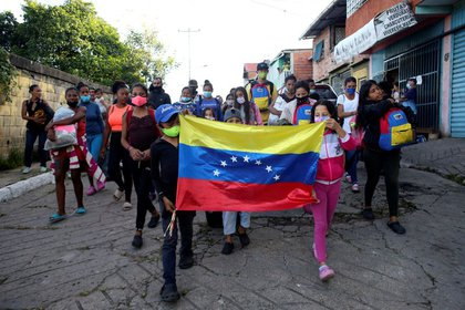 IMAGEN DE ARCHIVO. Migrantes venezolanos en Colombia solo comen una o dos veces al día.