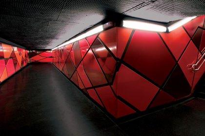 Su estilo modernista invita a los pasajeros a disfrutar de un viaje en el tiempo con todas las comodidades posibles (on-a)